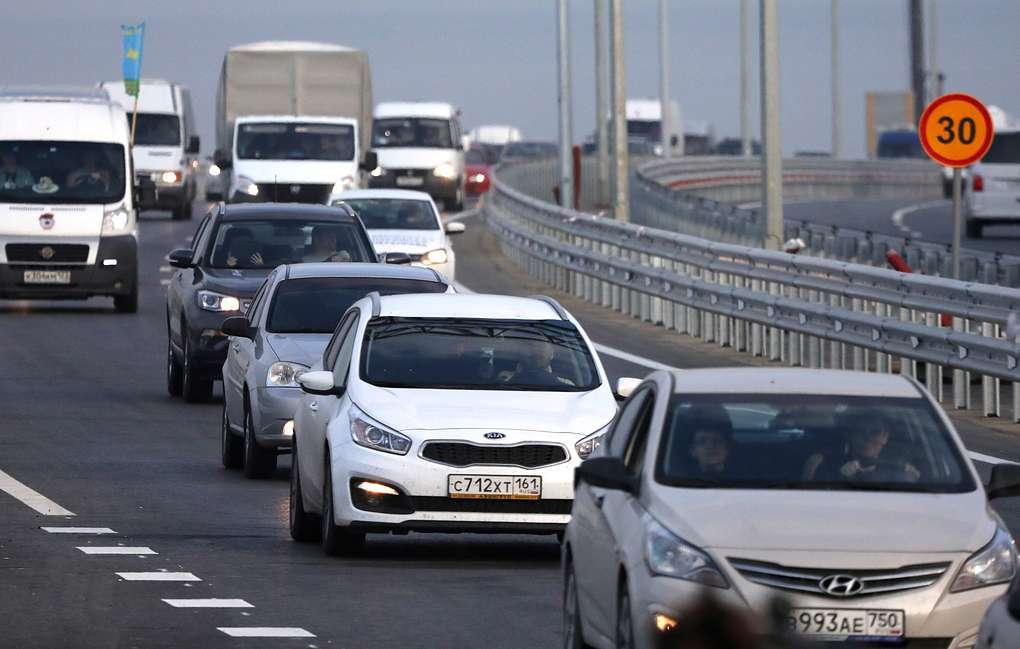 С сегодняшнего дня в Севастополе вводятся скоростные ограничения на мостах и путепроводах