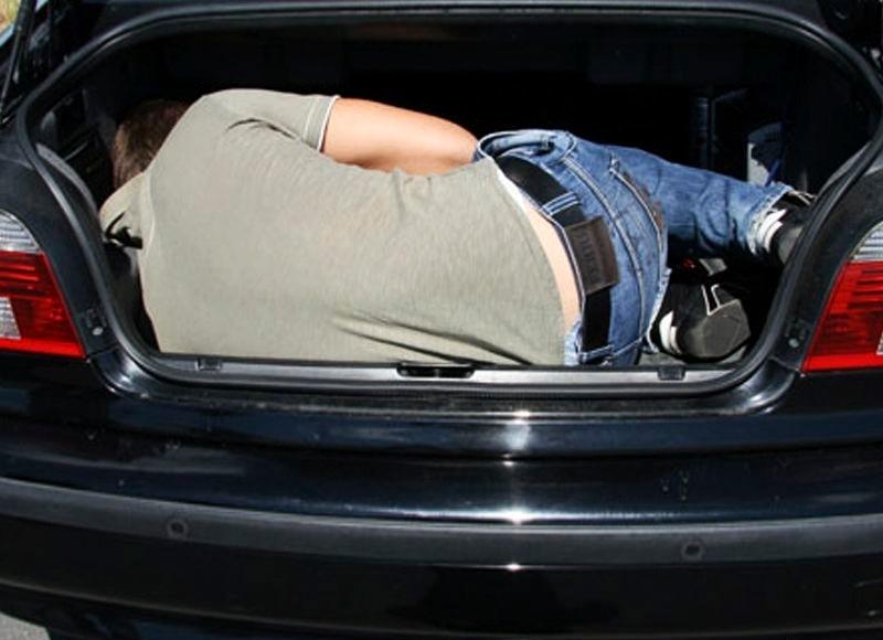 В Севастополе суд вынес приговор похитителям, которые возили подростка в багажнике