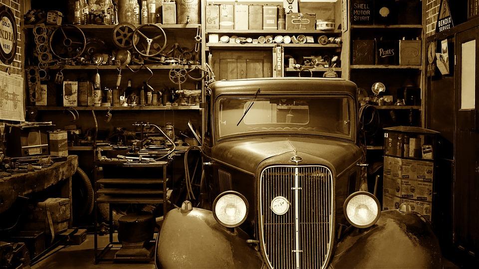 В Госдуме прокомментировали слухи об обсуждении запрета на покупку автомобиля без гаража