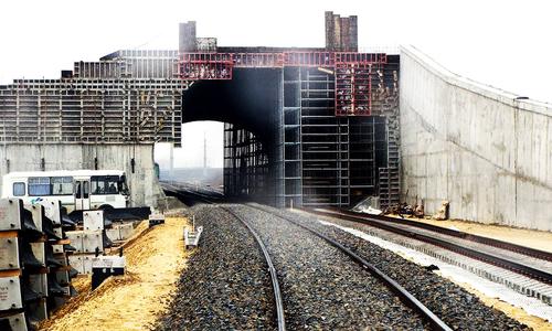 Железнодорожный подход Крымского моста засняли с высоты птичьего полета