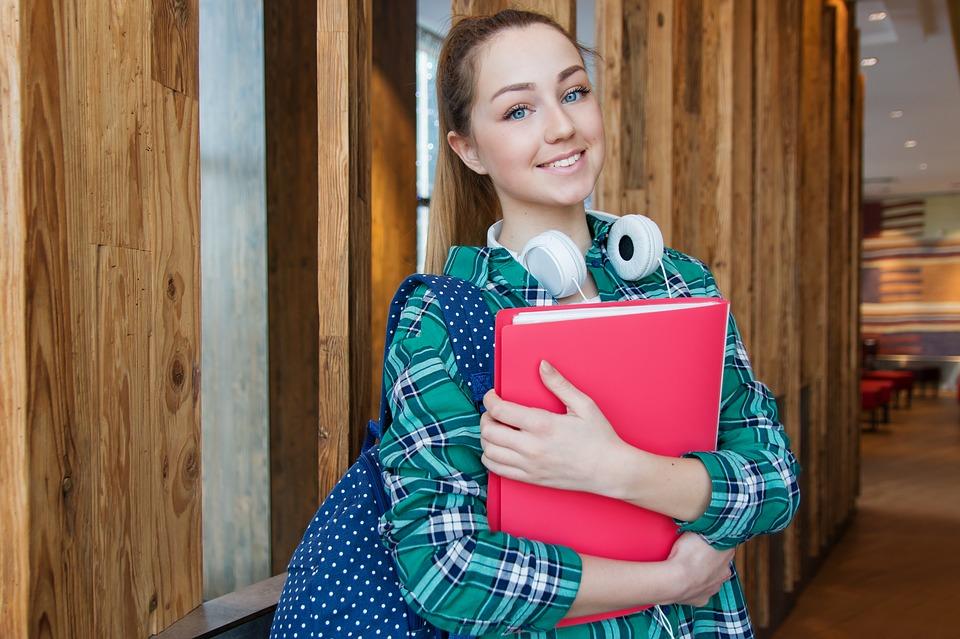 Работающие подростки в Севастополе получат право на отпуск