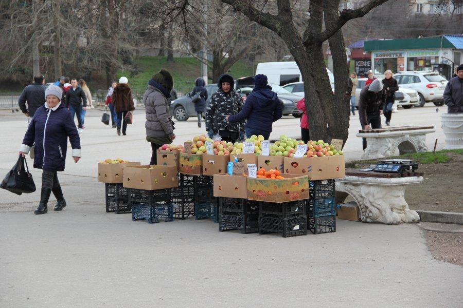 После скандальной драки на площади 50-летия СССР несанкционированную торговлю «прижали»