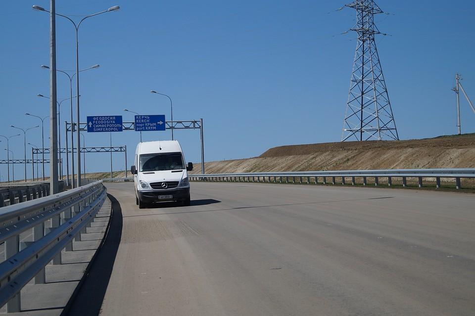 Водители жалуются на недостаток указателей и дорожных знаков на «Тавриде»