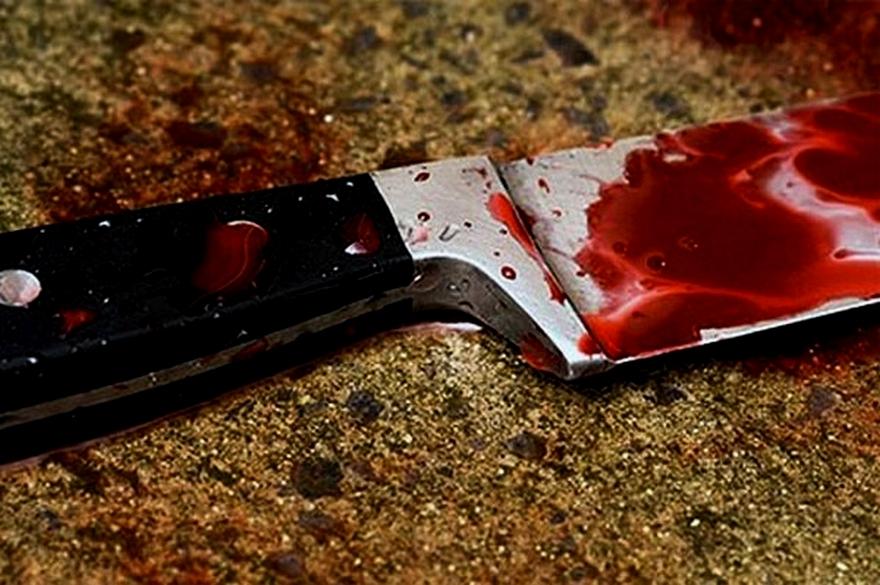 В Крыму жена пырнула ножом мужа во время застолья
