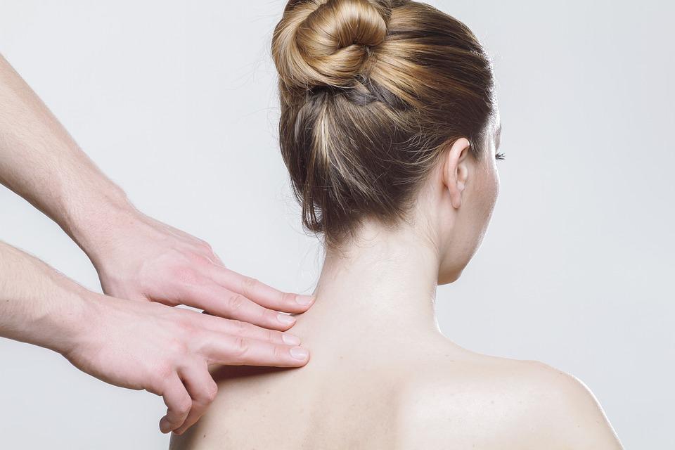 Боли в спине и шее связали с опасным заболеванием