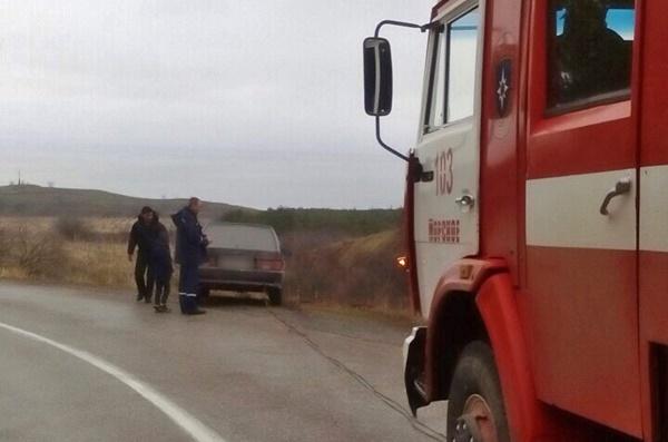 В Крыму автомобиль с двумя детьми упал в кювет