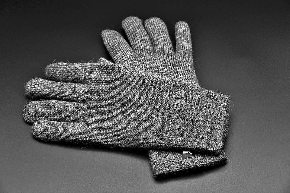 Клиент ударил женщину ножом 27 раз за скидку на перчатки