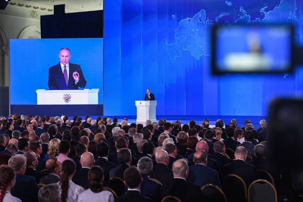 Путин: застройщиков нужно освободить от налогового бремени
