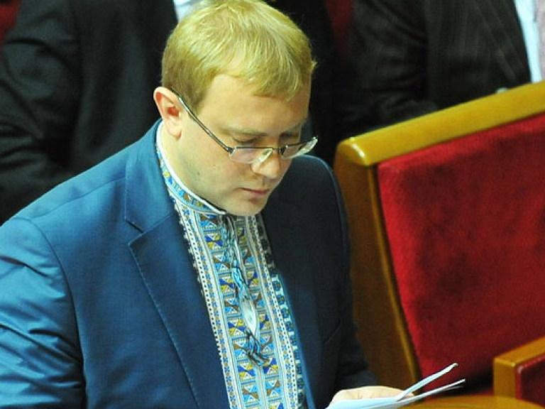 Украинский дипломат продал участок в Крыму по российским законам