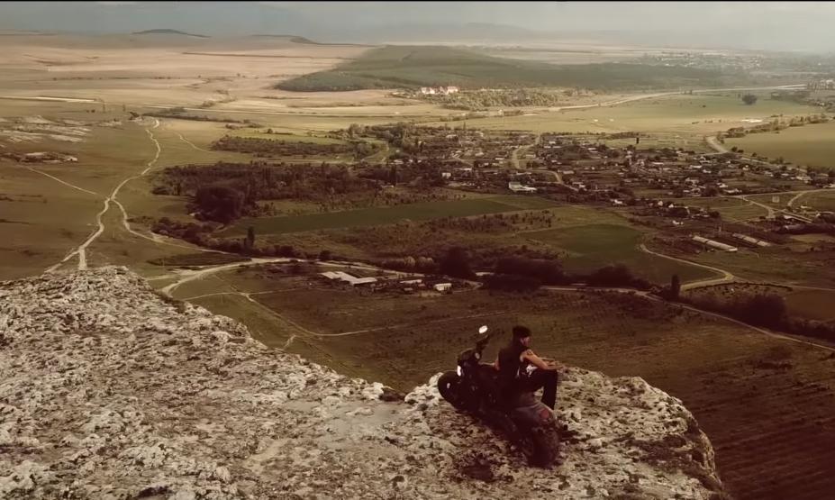 Группа «7Б» презентовала снятый в Крыму клип