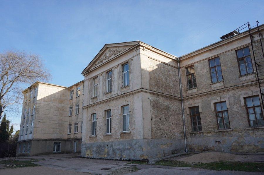 В Севастополе капитально отремонтируют одну из старейших городских школ