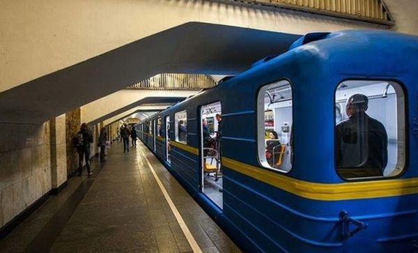 Порошенко обвинил Россию в проблемах киевского метро