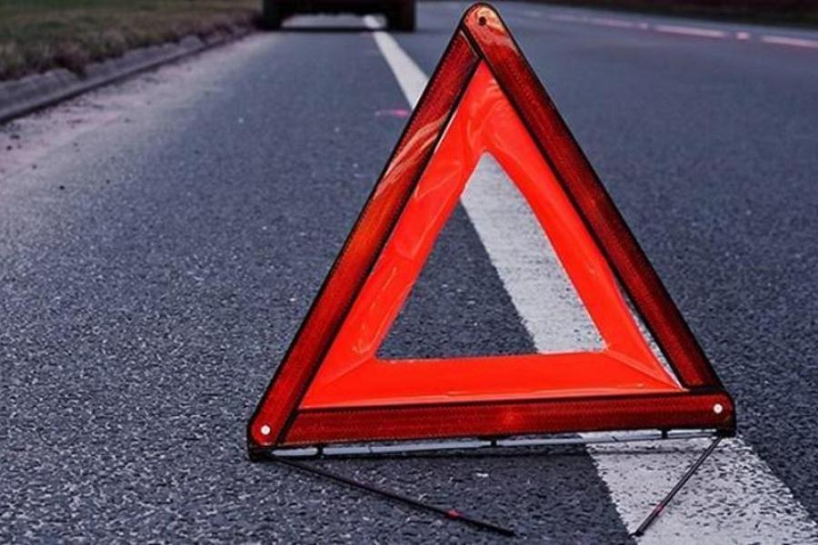 В Крыму пенсионера зажало в авто после аварии на дороге