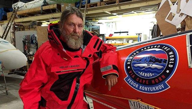Путешественник Конюхов на весельной лодке пережил шторм с 8-метровыми волнами в Тихом океане