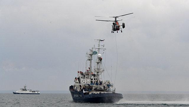 Корабли, вертолеты, огонь по цели: захватывающее видео учений пограничников, ФСБ и ЧФ в Черном море