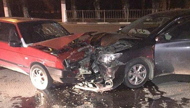 В Симферополе «лоб в лоб» столкнулись две машины