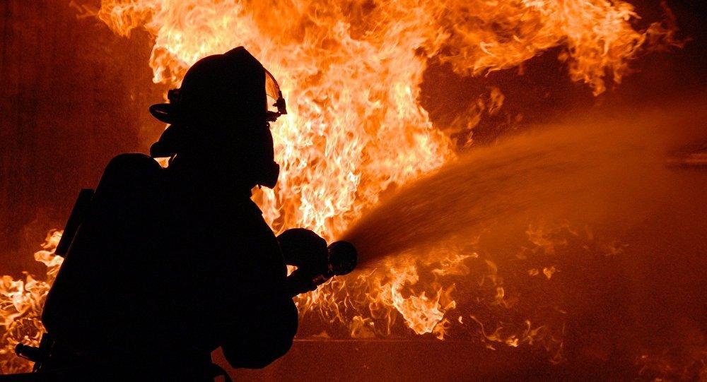 В Крыму из горящего жилого дома эвакуировали 10 детей