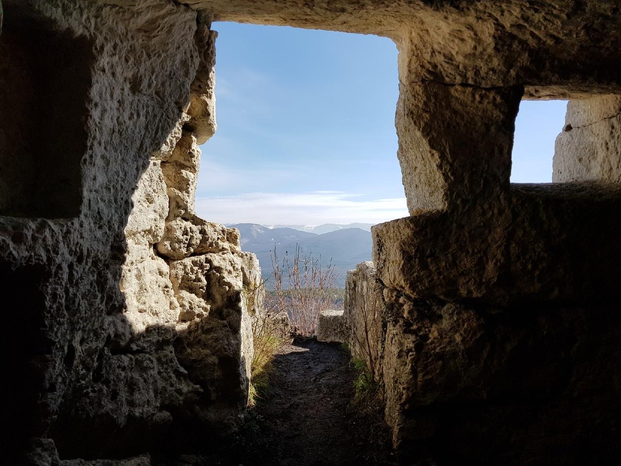Блог путешественника по Крыму: пещерный город Мангуп-Кале