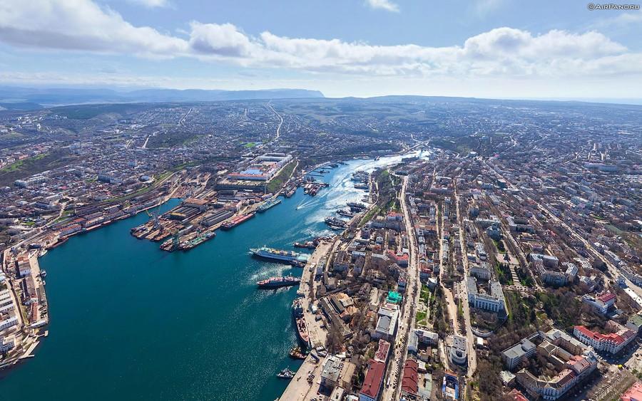 Севастополь занял второе место в рейтинге экономического развития в России