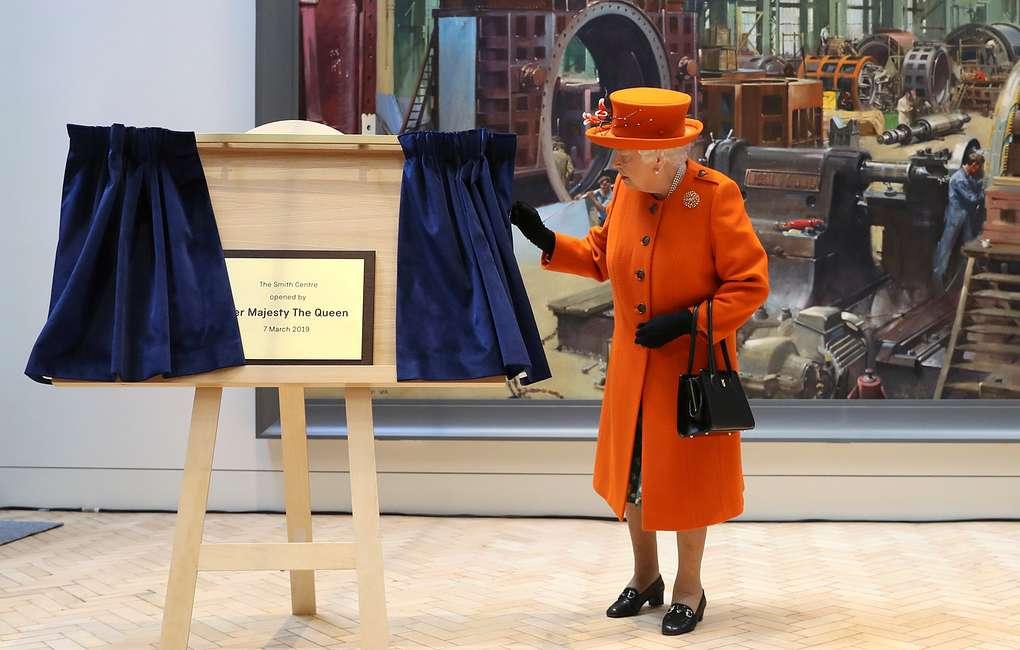Королева Елизавета II опубликовала свой первый пост в Instagram