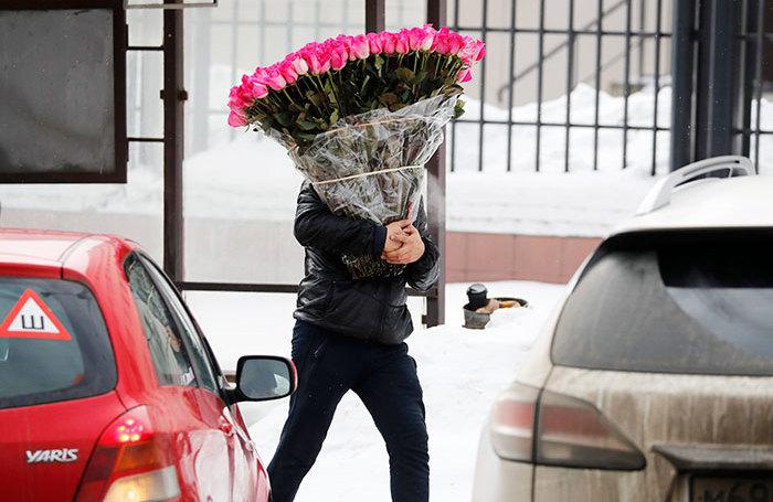 Чего хотят женщины: названы самые желанные подарки к 8 Марта