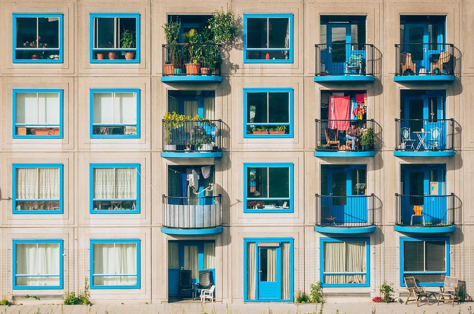 Севастопольцев будут штрафовать за некрасивые балконы и фасады