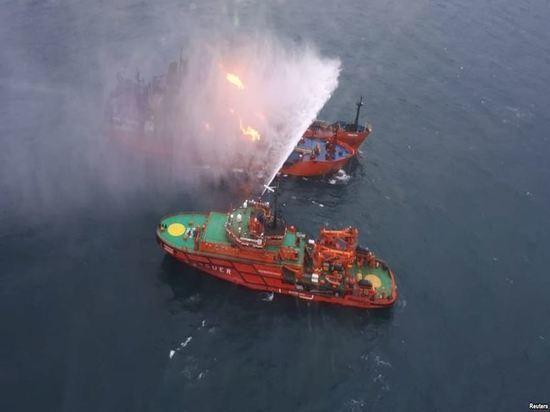 Огонь на втором танкере в Черном море спустя месяц прекратился