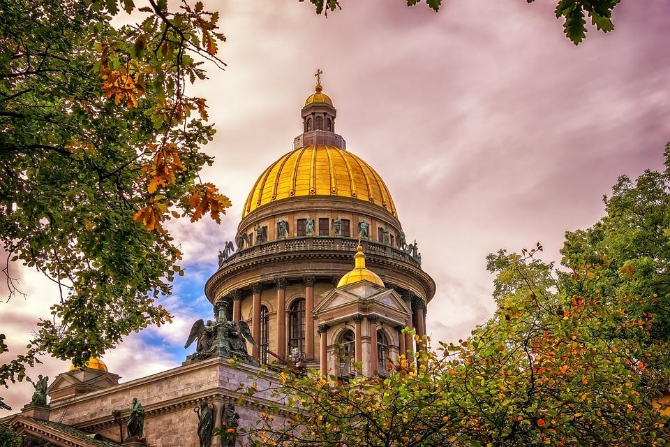 Туристы назвали лучшие маршруты для путешествий по России