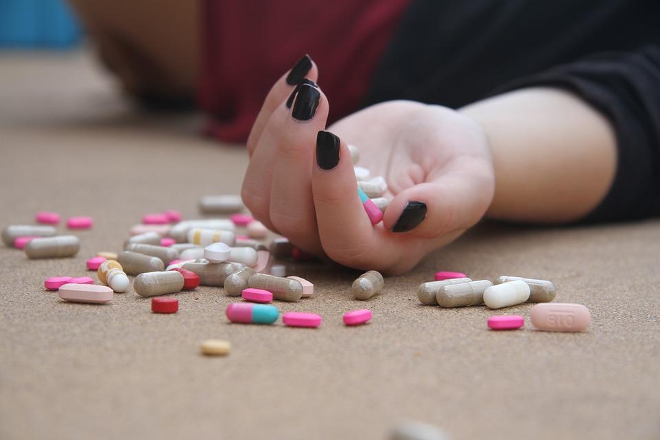 Подробности смерти 15-летней школьницы от медикаментов на севере Крыма