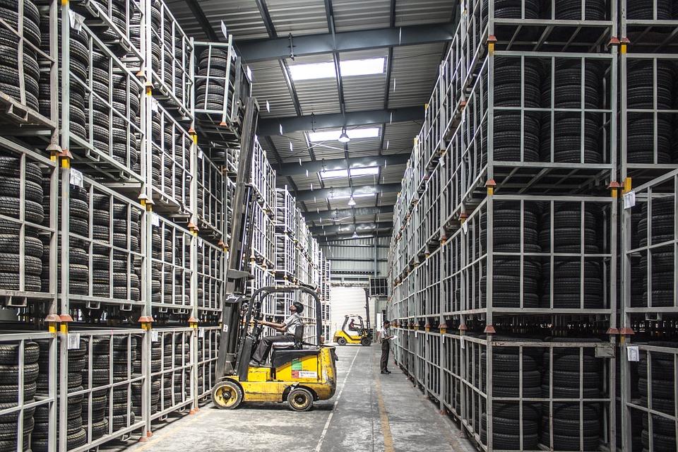 Пожаловаться на качество товаров и услуг теперь можно в МФЦ и на сайте госуслуг