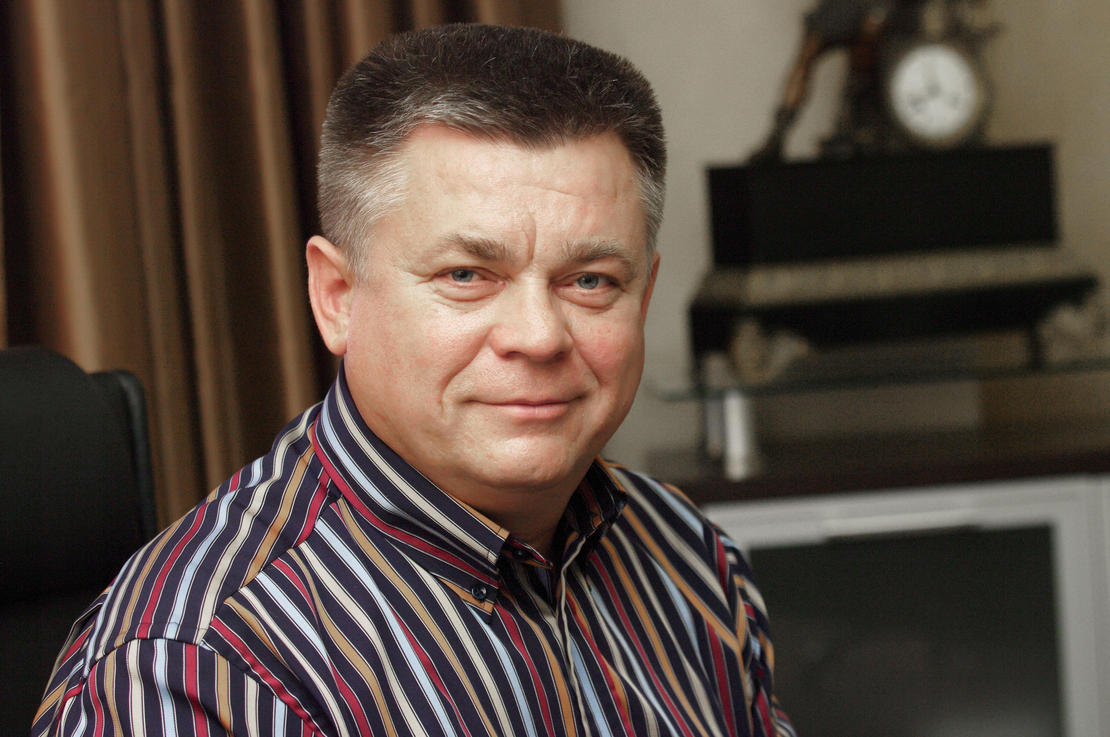 Павел Лебедев поздравил с Международным женским Днем