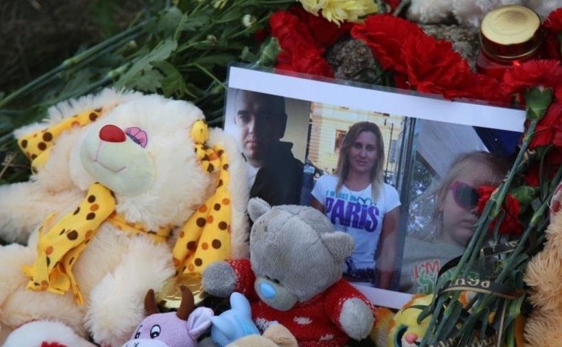 Родителей застрелил, 4-летнюю девочку утопил в озере: убийца семьи Ларьковых предстанет перед судом