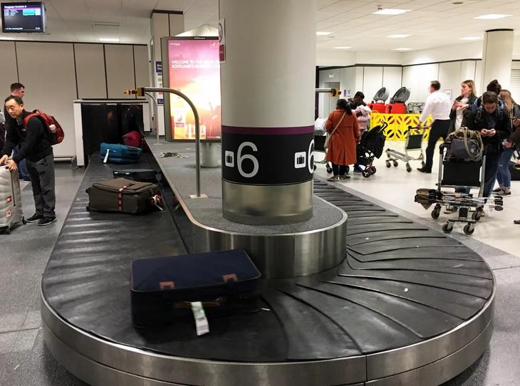 Сотрудник посольства США пронес мину в российский аэропорт