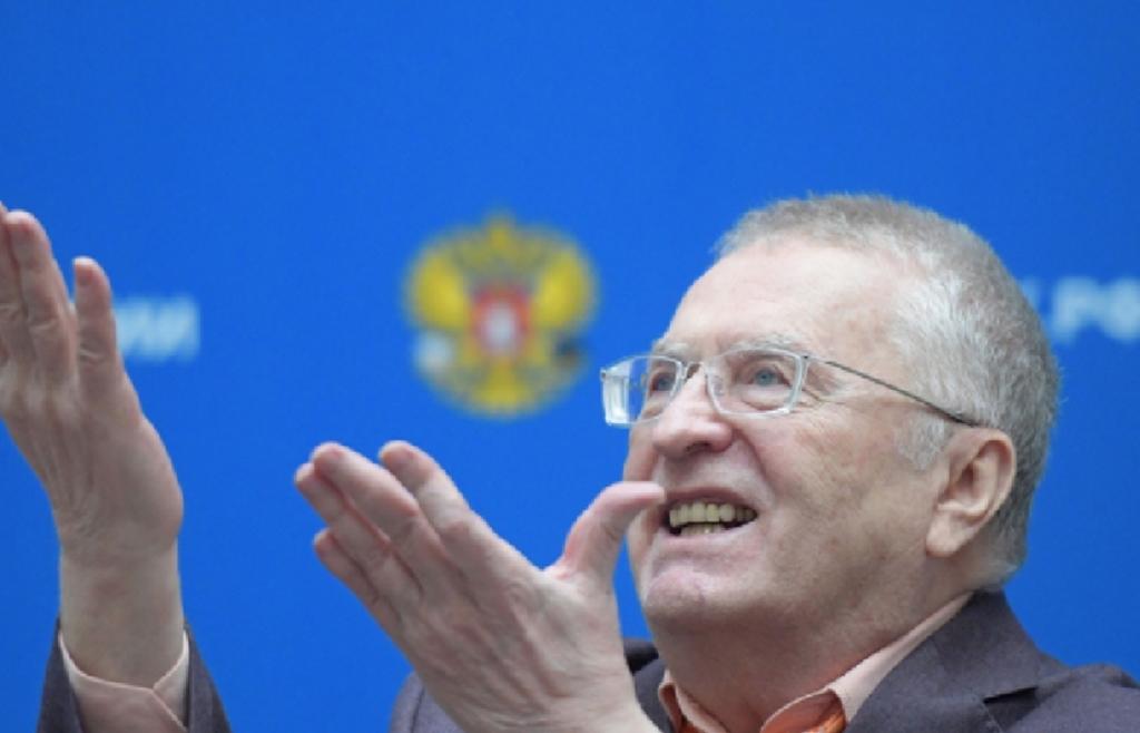 «Боже, Царя храни!»: Жириновский призвал вернуться к монархии во время выступления в Севастополе