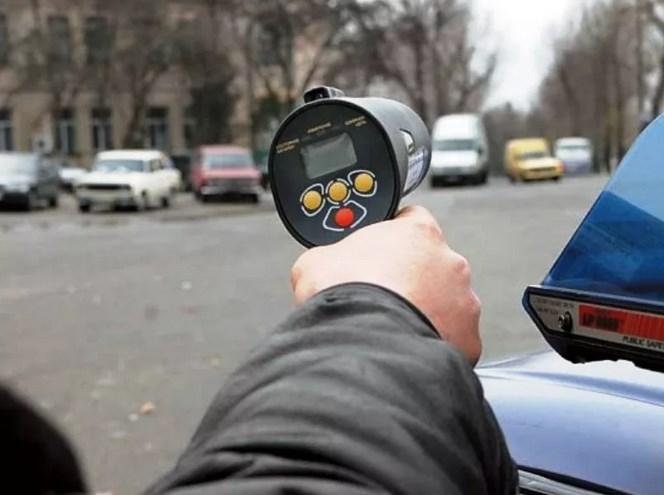 В Севастополе ловили нарушителей скоростного режима