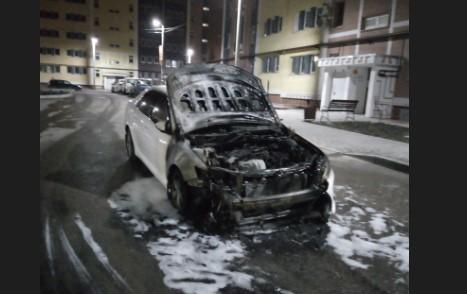 Ночью в Севастополе сгорели несколько автомобилей