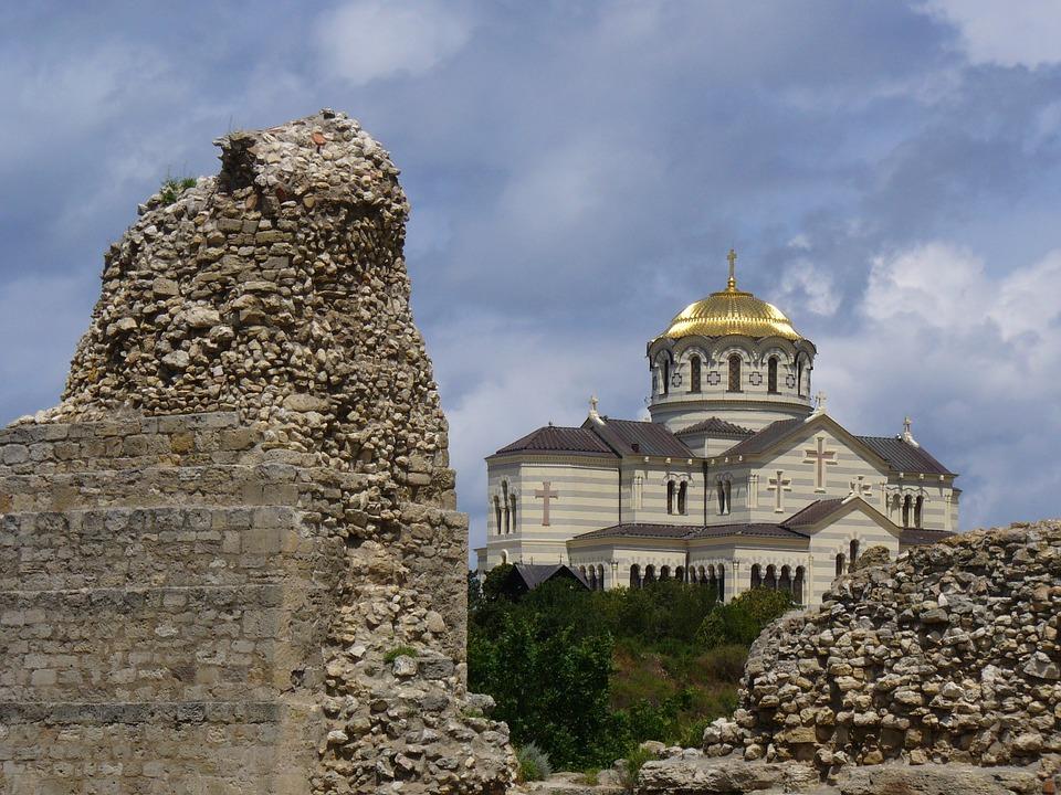Писатель Александр Проханов снимает документальный фильм о Севастополе