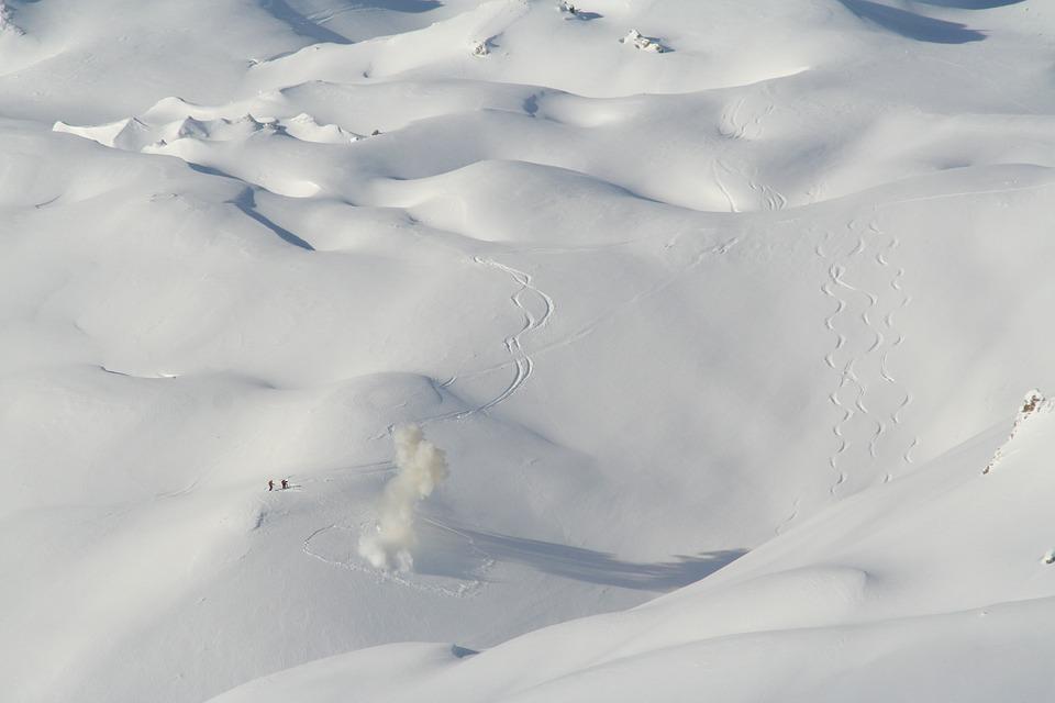 Спасатели рассказали о самых коварных и лавиноопасных местах в Крымских горах