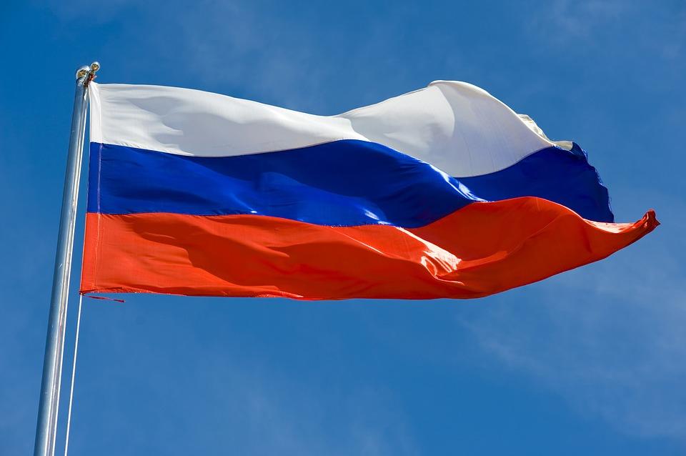 В Севастополе неизвестные украли со здания российский флаг