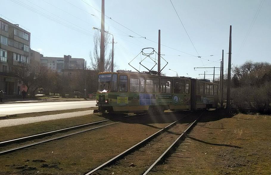 В Крыму сошел с рельсов трамвай
