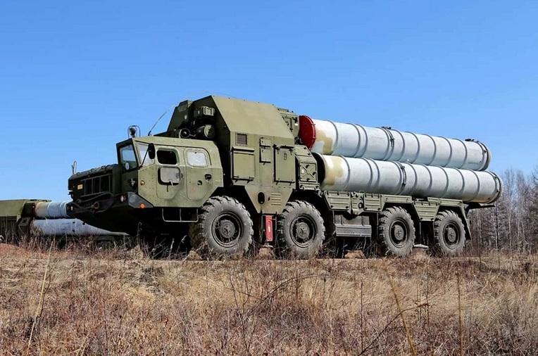 Рядом с российской воинской частью с С-300 взорвалась бомба