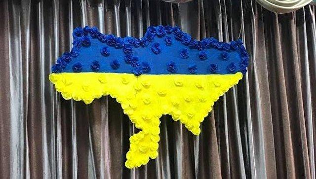 В Киеве на избирательном участке вывесили карту Украины без Крыма