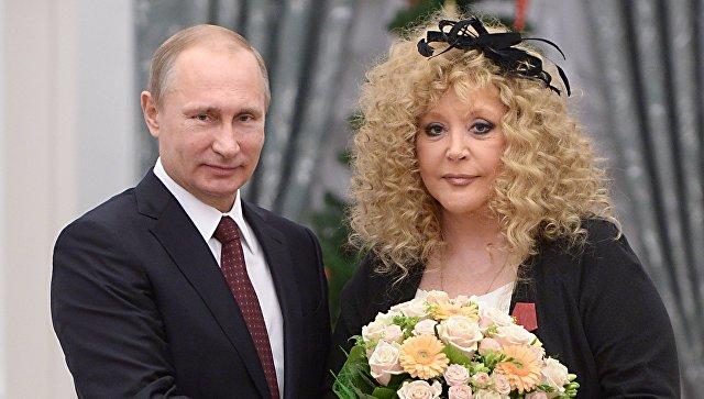 Путин поздравил Пугачеву с 70-летием