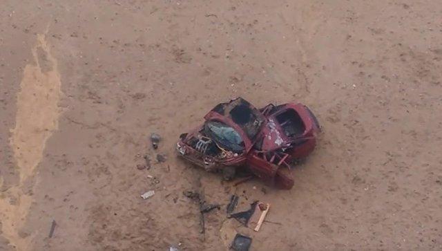Автомобиль «всмятку»:  под Севастополем легковушка слетела с обрыва