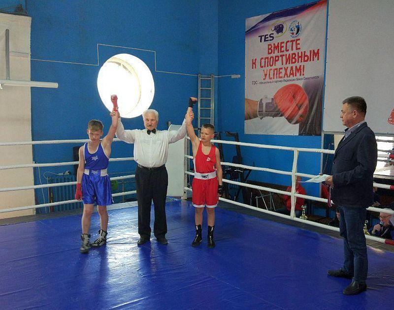 В Севастополе прошел турнир по боксу, посвященный памяти первого председателя ОП Евгения Халайчева