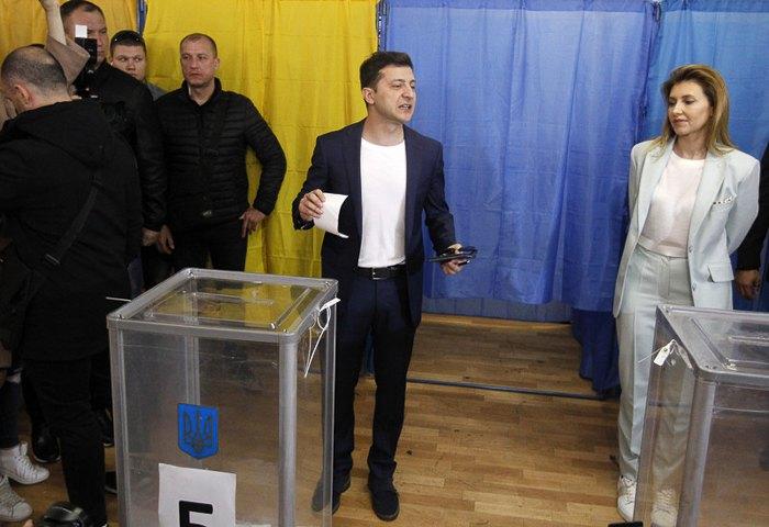 Зеленского оштрафовали во время голосования на выборах