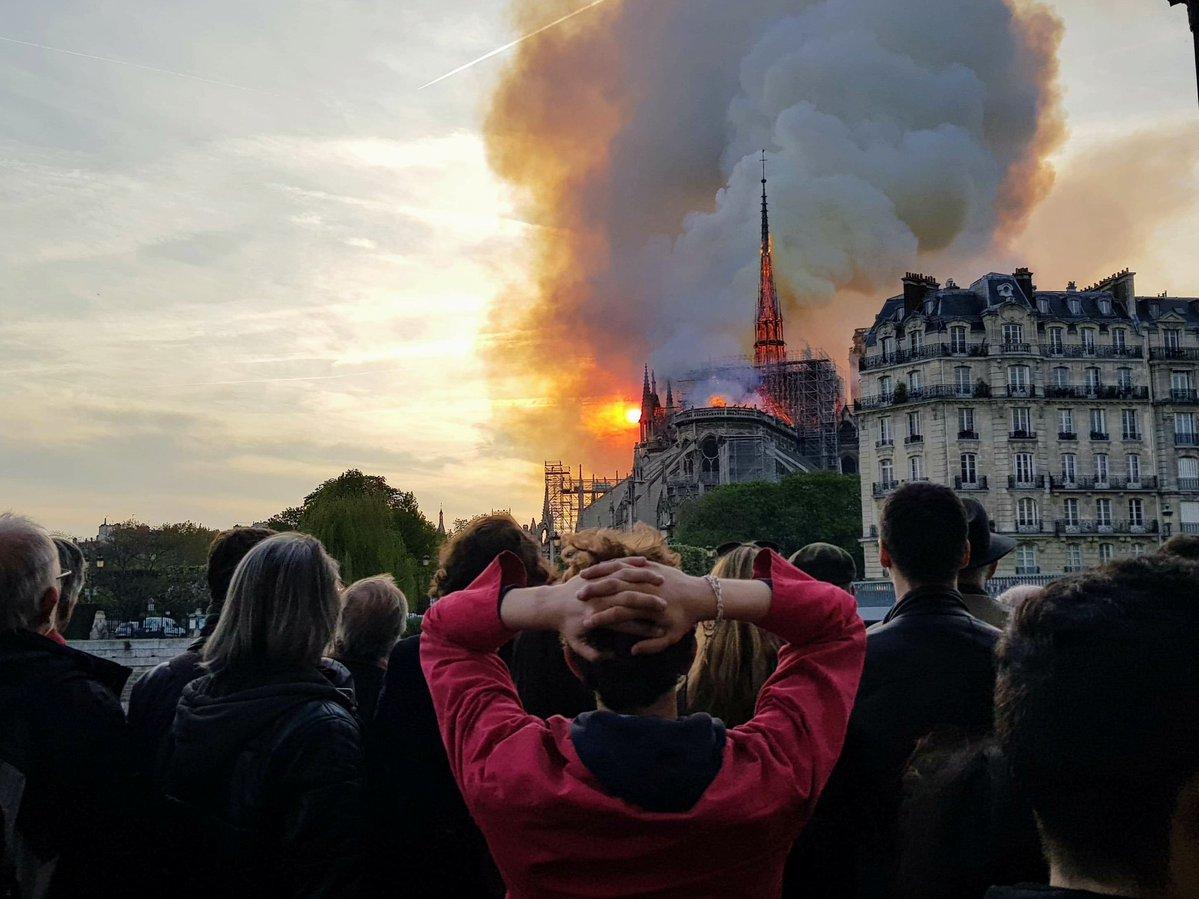 пожар нотр-дам-де-пари