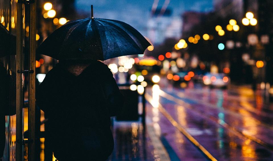 Дожди со снегом и сильный ветер: на выходных Крым ждет погодная «встряска»