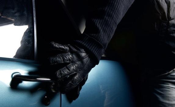 Четыре уголовных дела: в Крыму задержали серийных автоворов