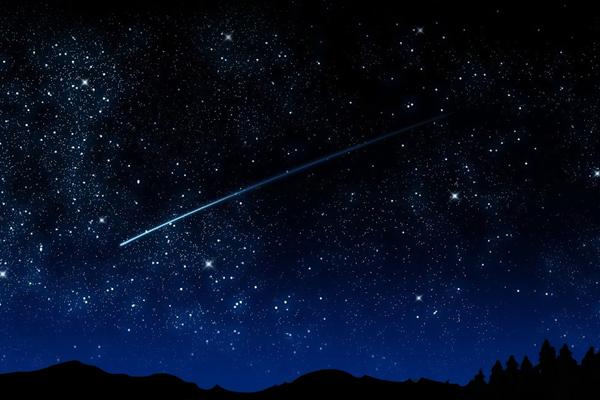 Метеорный поток: крымчане увидят в ночном небе весенний звездопад Лириды